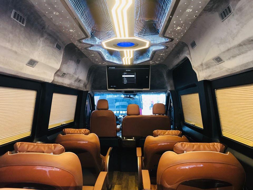 Hyundai Solati Limousine khoang hành khách