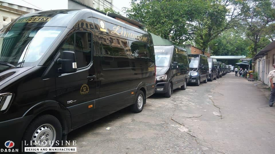 Dàn xe limousine của Dasan đồng hành cùng các ngôi sao sự kiện MAMA 2017