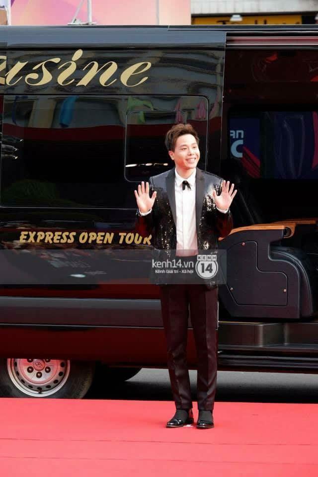 Dàn xe limousine của Dasan chuyên chở các ngôi sao trong chương trình MAMA 2017