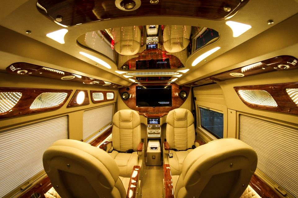 Mẫu nội thất Xe Limousine cao cấp