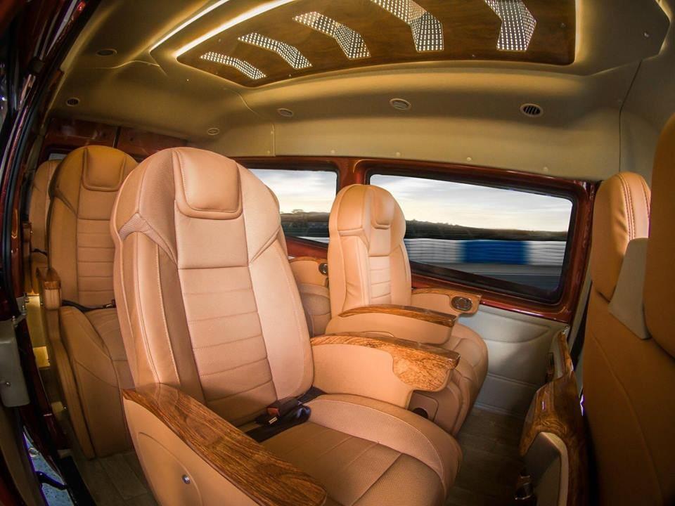SKYBUS eVL - xe limousine của việt nam