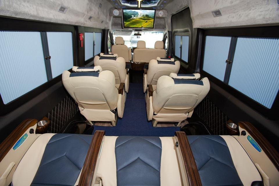 Xe Solati Limousine thương mại 10 chỗ