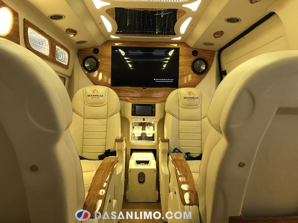 SKYBUS Infinity - dòng Ford Limousine cao cấp