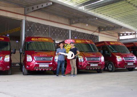 Bàn giao xe SKYBUS cho Hoàng Kim Busline