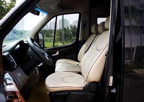 Ghế lái SKYBUS XLL Solati Limousine 12 chỗ