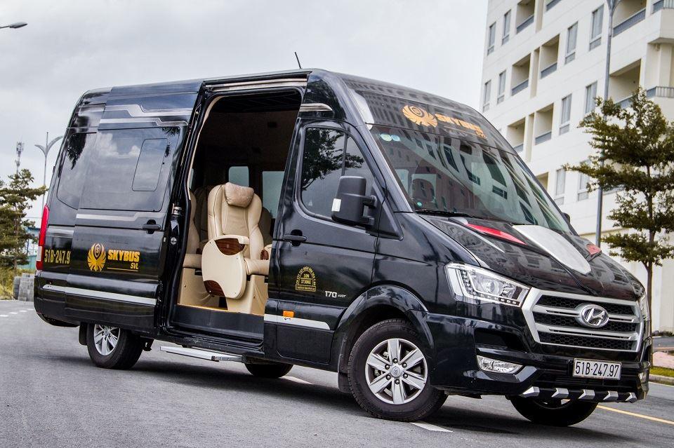 Solati Limousine 12 chỗ SKYBUS SVL