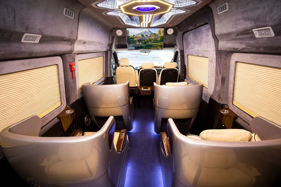 SKYBUS Bold - Solati Limousine ghế Boeing chỉnh điện