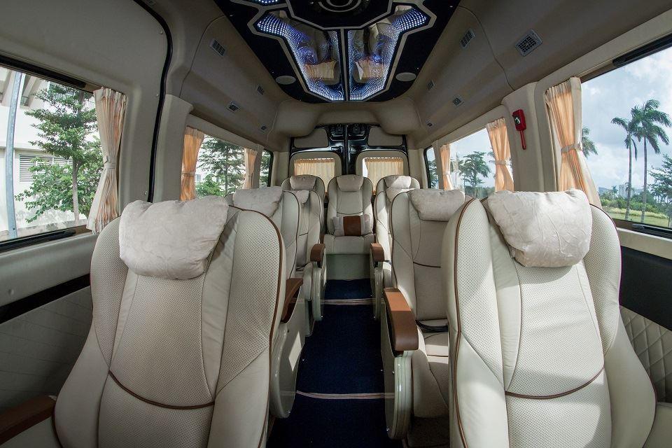 Hyundai Solati Limousine 12 chõ SKYBUS XLL