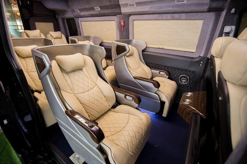 Solati limousine SKYBUS XLE ghế chỉnh điện