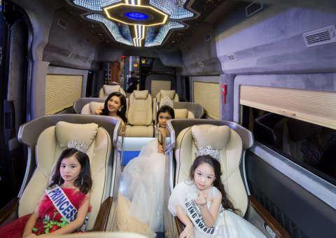 Solati Limousine 10 ghế điện XLE