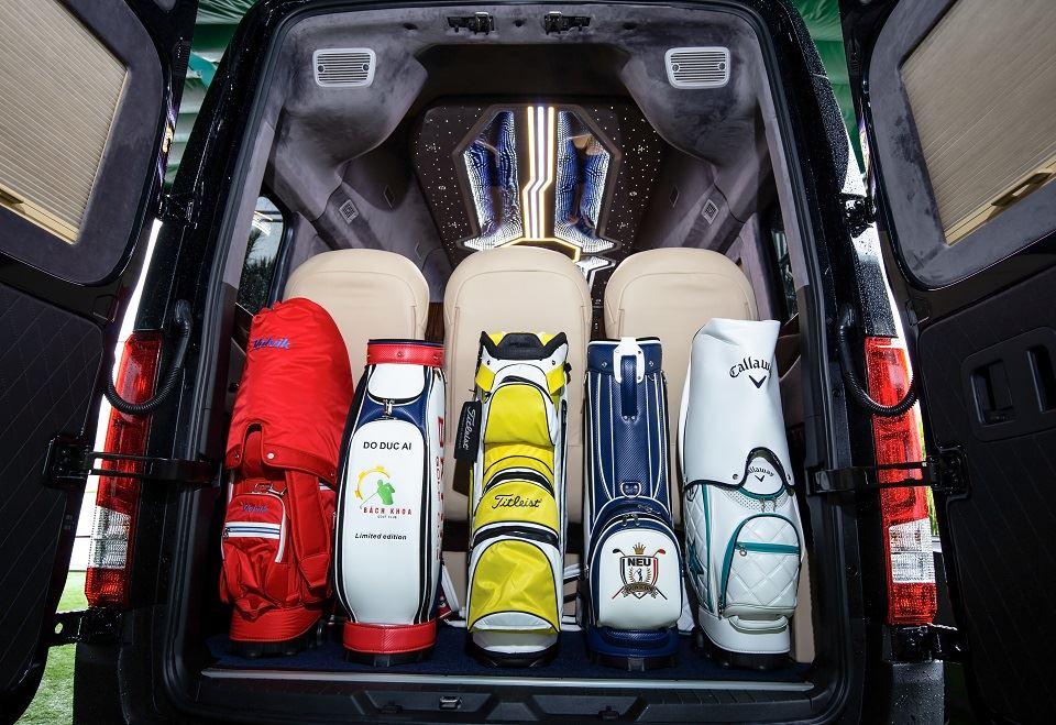 Khoang hành lý Solati Limousine ghế điện SKYBUS XLE