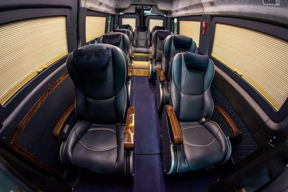 SKYBUS Solati Limousine XLL