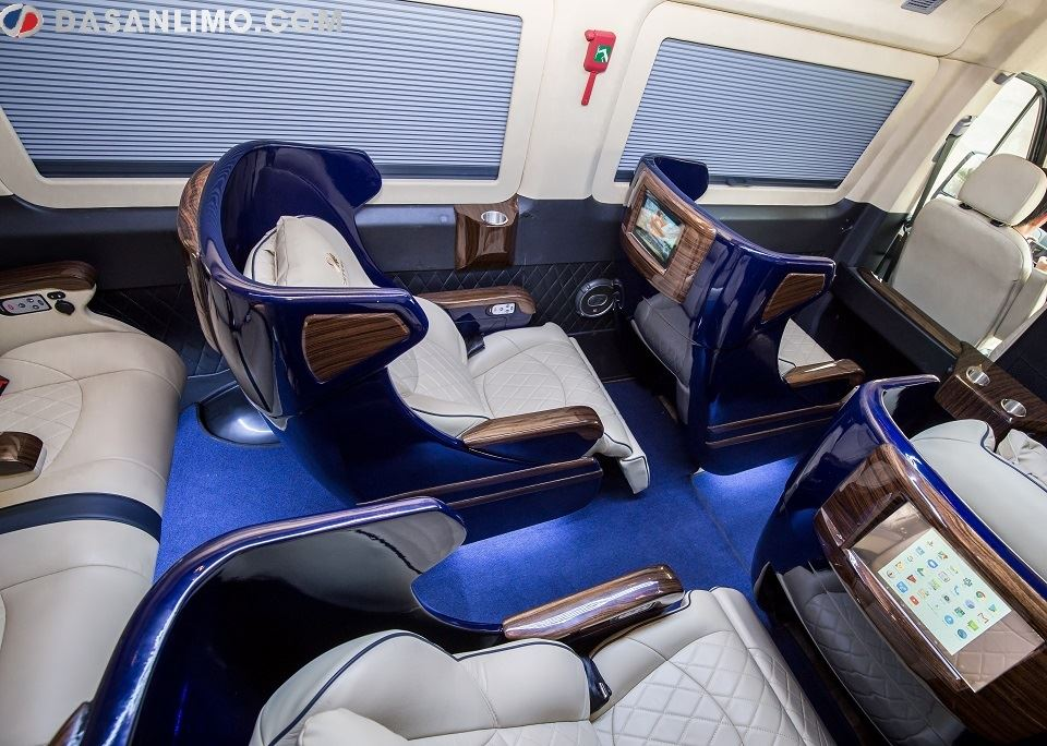Solati Limousine 2019 với chức năng ngả ghế độc lập