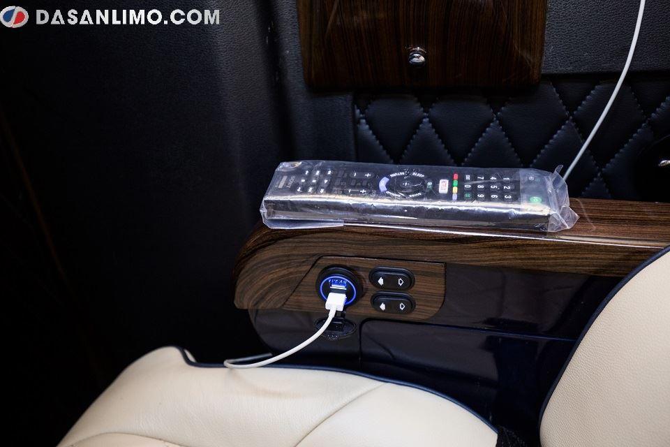 Solati Limousine 2019 độ nội thất hạng thương gia