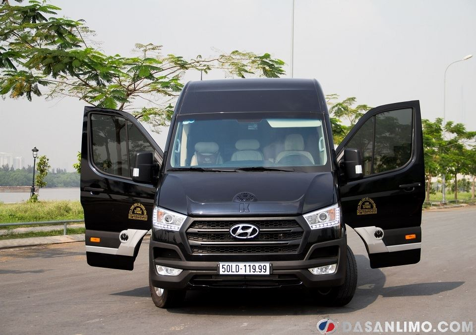 Ngoại thất Hyundai Solati Limousine 2019