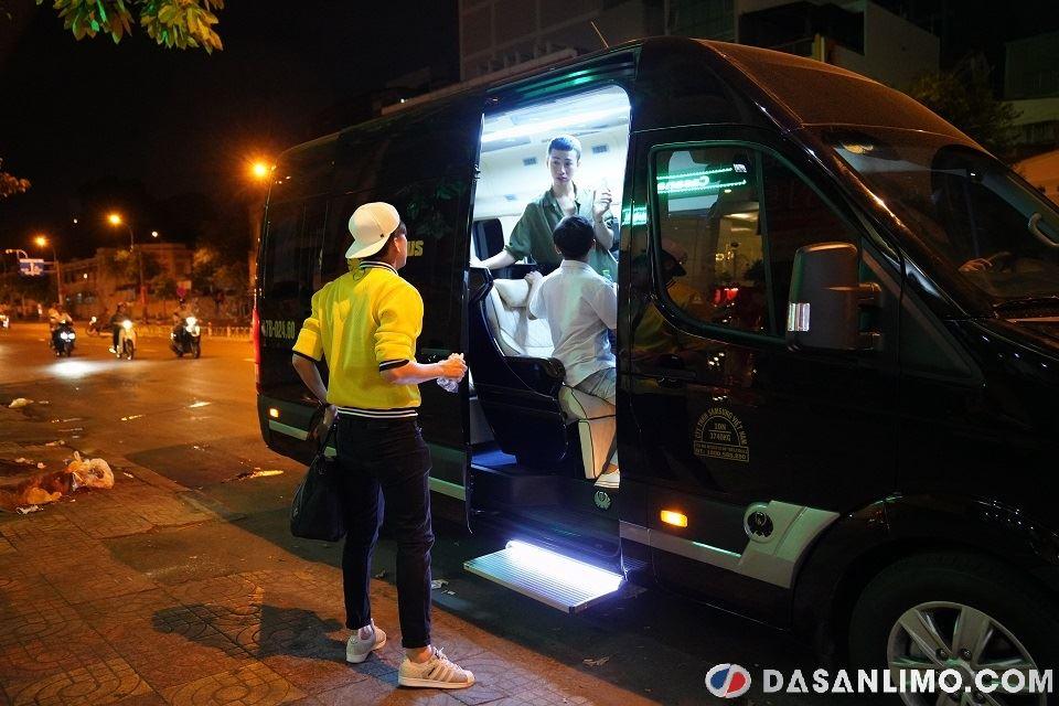 Xe Skybus Limousine đón Hải Triều, Minh Dự, Ngọc Tuyên