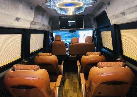 Solati Limousine Xs 10 chỗ thương mại 8