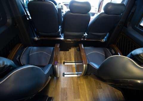 Solati Limousine 12 chỗ SKYBUS Solati PRO 9
