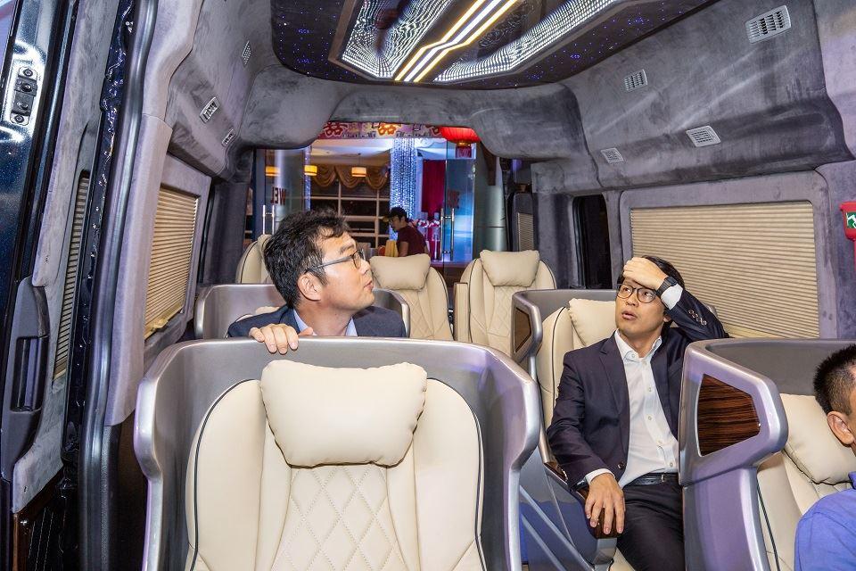 Độ xe limousine cao cấp