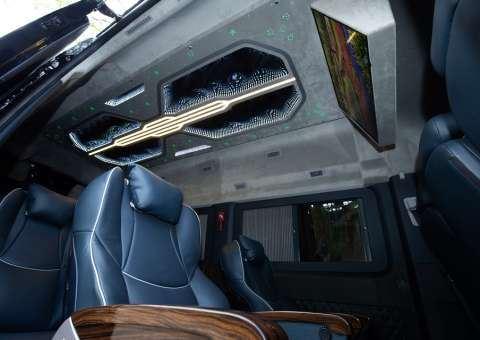 Solati Limousine 12 chỗ SKYBUS Solati PRO 4
