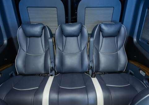 Skybus Solati Pro Limousine  12 chỗ
