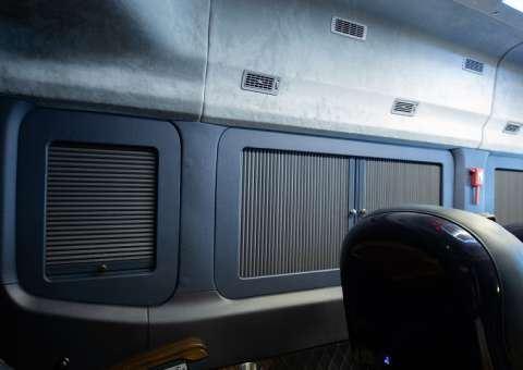 Skybus Solati PRO Limousine