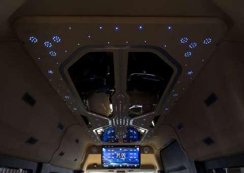 Solati Limousine ghế điện Skybus Solati Bold 4