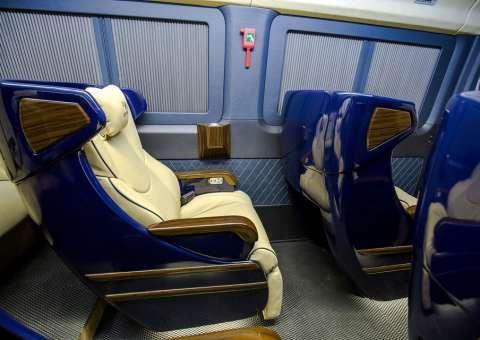 Solati Limousine 10 ghế VIPs SKYBUS solati BOLD 2