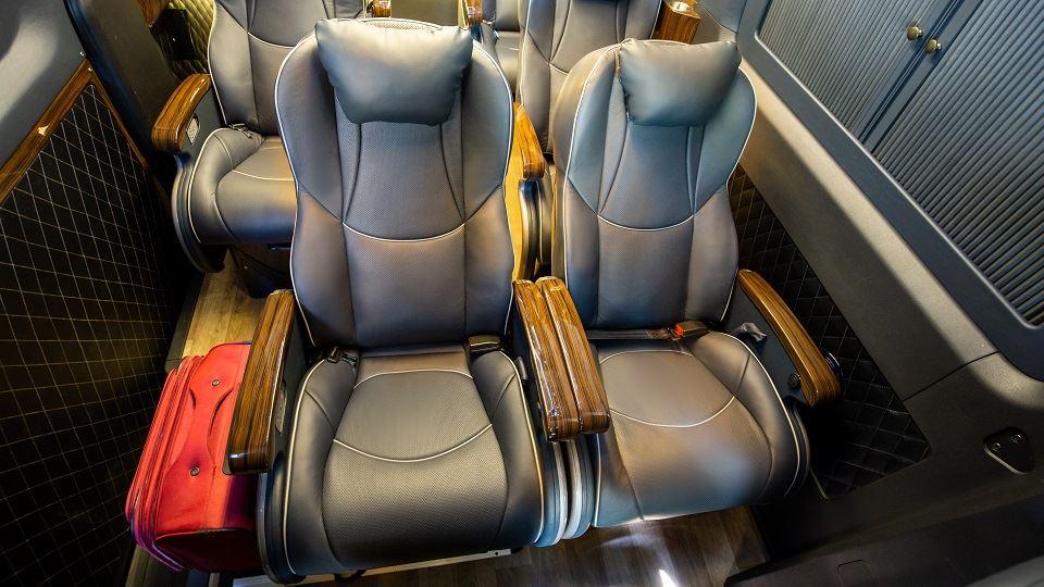 SKYBUS Solati PRO - limousine 12 ghế VIPs Đồng Phước