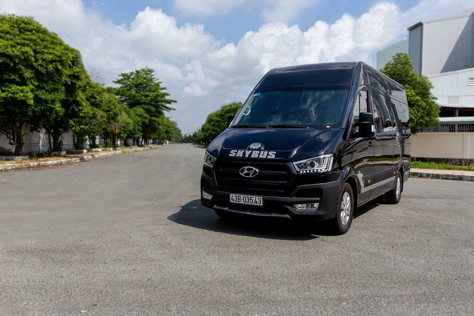 Solati Limousine 10 chỗ đặc biệt 2019 SKYBUS Special