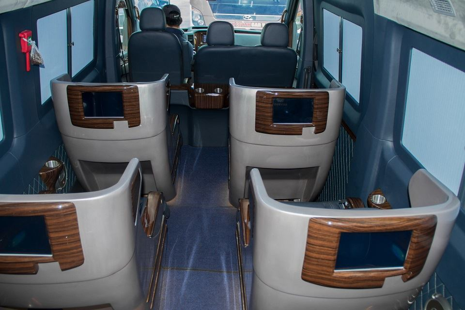 Solati Limousine Skybus Limited Edition 2