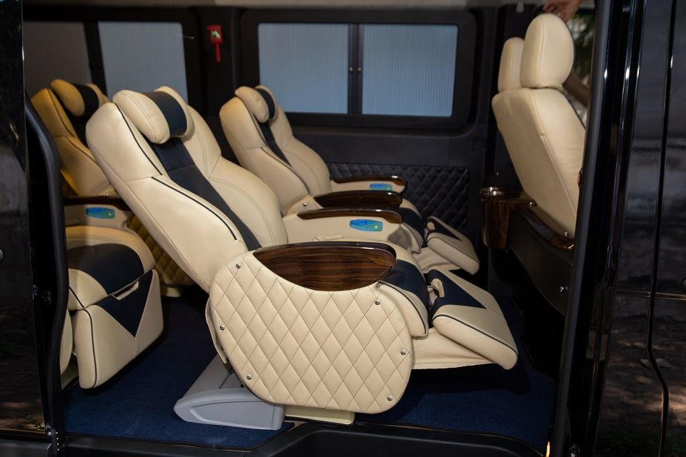 Solati Limousine 10 chỗ - Skybus Solati Special 7