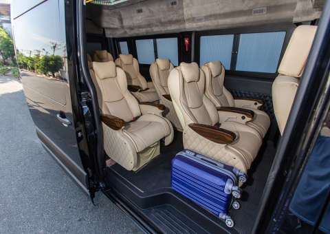 Solati Limousine 11 chỗ - Skybus Solati Money
