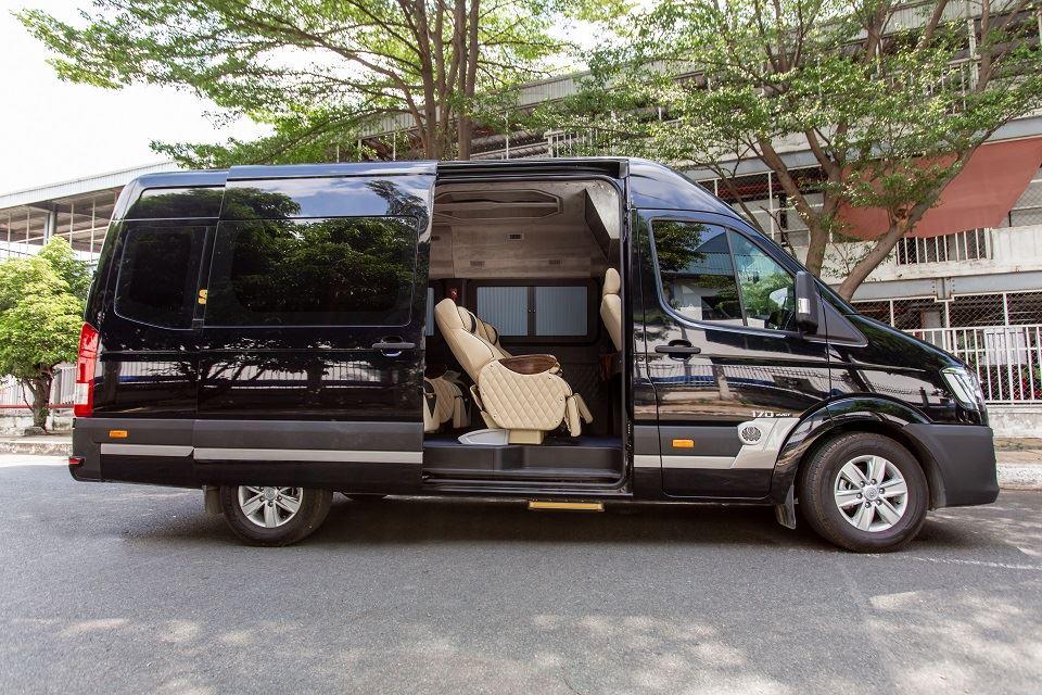 Solati limousine 10 cho skybus solati speical