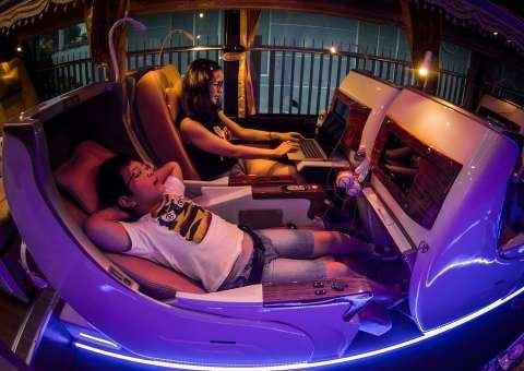 Universe Limousine ghế nằm SKYBUS Gold